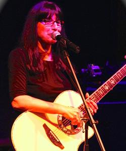 nancy-hartmann-singer